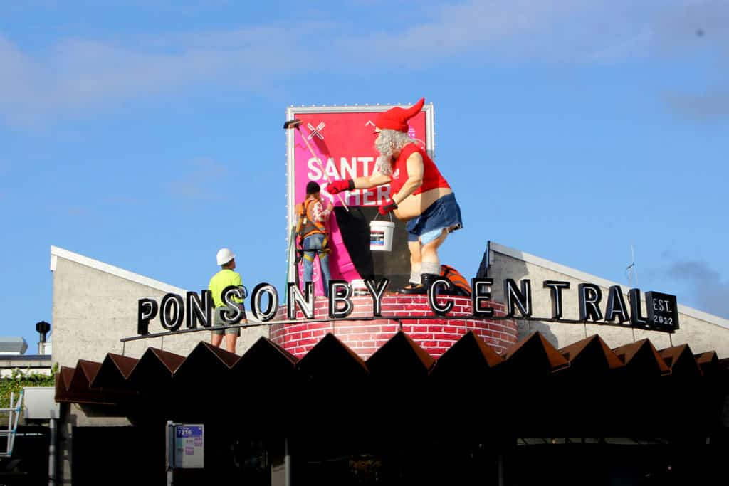 Ponsonby Central street postera out of home media